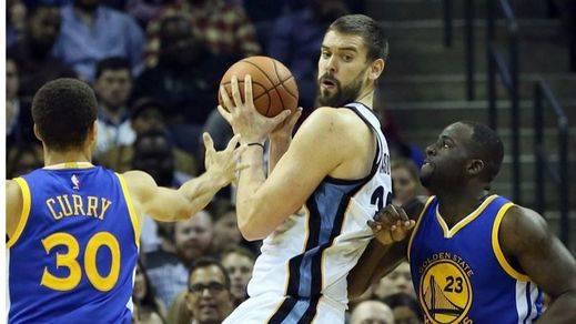 Un gran Marc no puede impedir la derrota de 'sus' Grizzlies ante los campeones Warriors