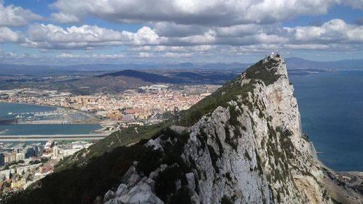Los españoles 'trolean' una encuesta sobre el futuro de Gibraltar en la prensa británica