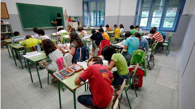 Aumentan las faltas de respeto de alumnos y padres a los docentes, según el Defensor del Profesor
