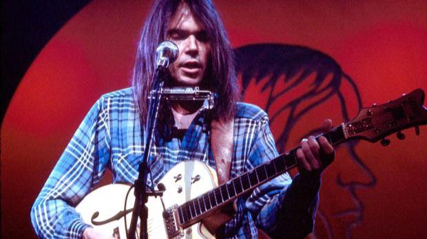 Los 10 mejores discos de Neil Young para celebrar su 70 cumpleaños