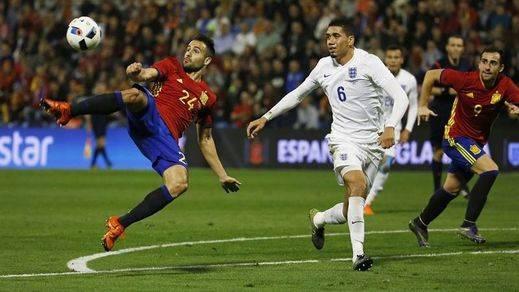 La Roja da una lección a los inventores del fútbol: victoria ante Inglaterra (2-0)