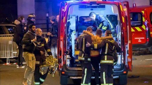 El ejército francés se despliega en París y el país se pone en alerta