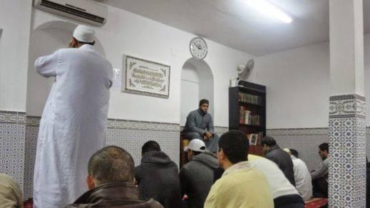 Investigan el ataque que ha provocado la noche del viernes un incendio en la mezquita de Don Benito