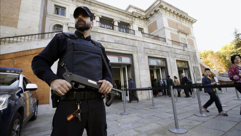 Europa se blinda mientras prepara la respuesta al 'acto de guerra' del Estado Islámico