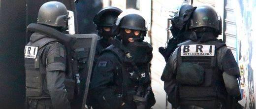 Operación antiterrorista en Saint Denis: el balance final deja 7 detenidos y 2 muertos