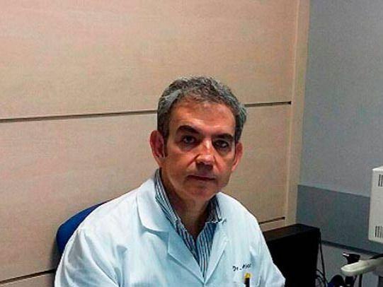 El Dr. Servando Camilo recomienda la vacuna Bexsero contra la meningitis B: 'Entre el 10 y el 14% de los casos de enfermedad meningocócica son letales'