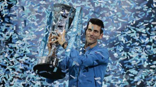 Djokovic supera a Federer con facilidad (6-3;6-4) y suma su undécimo título del año