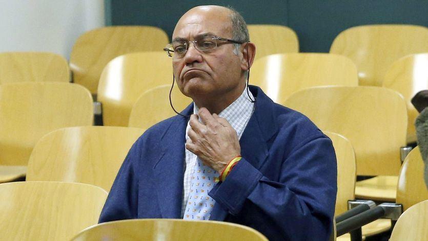 Los audífonos de Díaz Ferrán: así se mofó el empresario de la Justicia