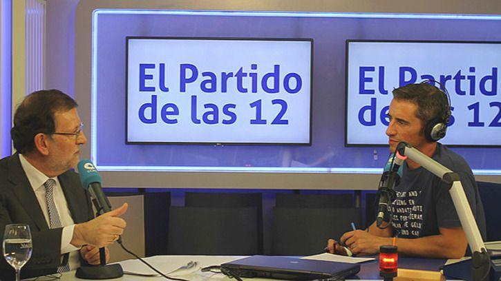Rajoy, acusado de hacer la 'avestruz', se defiende como puede por no dar la cara en los debates electorales