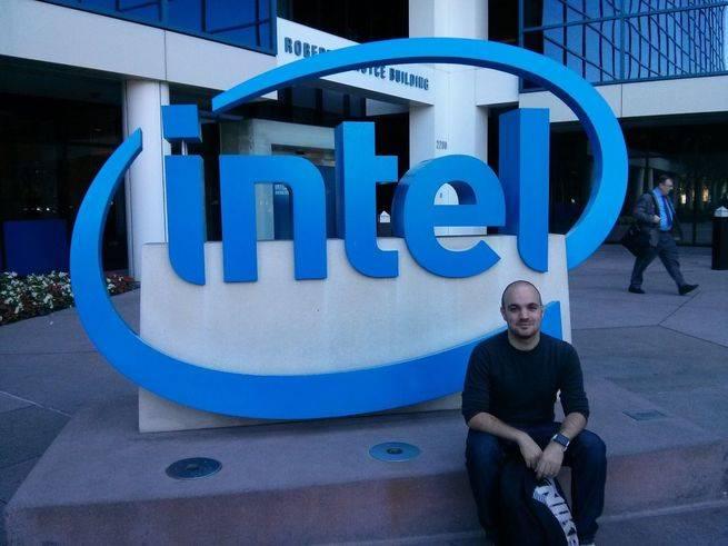 Francisco Calatayud en la sede Intel