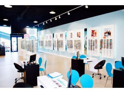 Oh My Glasses Factory, la tienda que no sólo asesora en óptica sino en moda