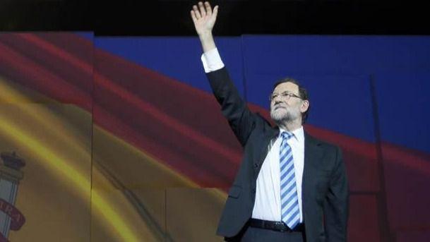 El CIS corona a Rajoy y reparte el segundo puesto entre Sánchez y Rivera, empatados