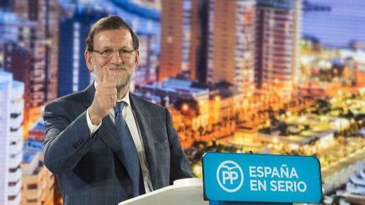 Rajoy abre la campaña al ritmo de El Pulpo y seguro de ser la fuerza más votada