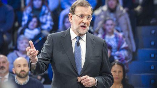 Rajoy recurre al manual del buen opositor para el reto de 'La calle pregunta' de La Sexta
