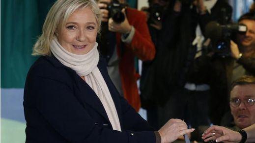 El Frente Nacional gana holgadamente la primera vuelta de las regionales francesas, según los primeros sondeos
