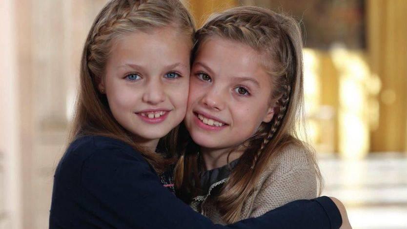 Leonor y Sofía te desean Feliz Navidad: las hijas del Rey, protagonistas este año de la felicitación de la Casa Real