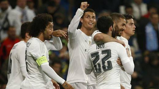 Cristiano (4) y Benzema (3) levantan la moral madridista a base de goles ante un pésimo Malmoe (8-0)
