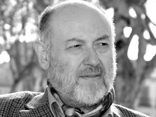 Juan Eslava Galán: 'Pujol ha tenido cogidos por los cataplines a sucesivos gobiernos que han hecho la vista gorda a sus latrocinios'