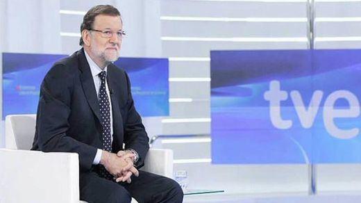 Rajoy, otra bomba electoral: los parados que encuentren trabajo no pagarán IRPF en un año y en dos si montan un negocio
