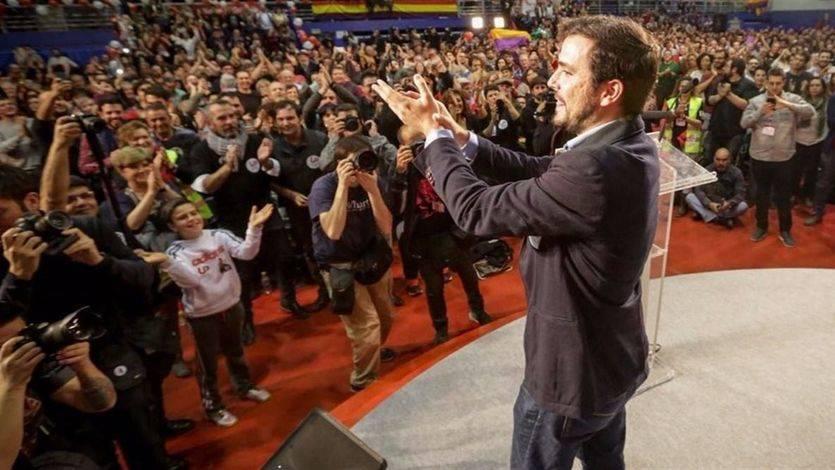 Garzón llega a tope de energías y entusiasmo pidiendo llenar las urnas de 'rebeldía' y 'votos rojos'