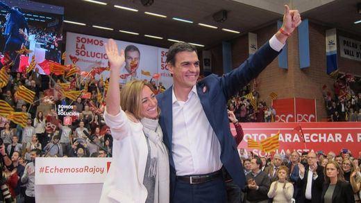 Pedro Sánchez cierra campaña mordiendo la mano de Podemos, que le puede dar de 'comer' a partir del domingo
