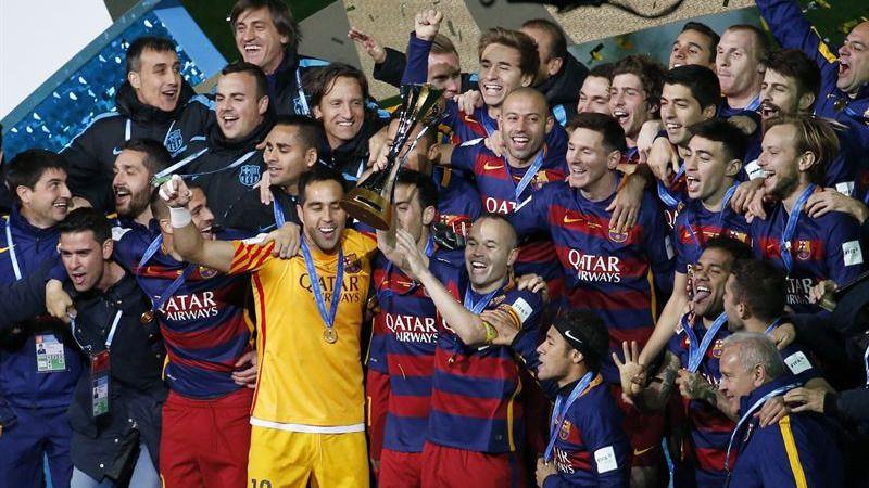 Los jugadores del Barça celebran su nuevo triunfo en el Mundial de Clubes.