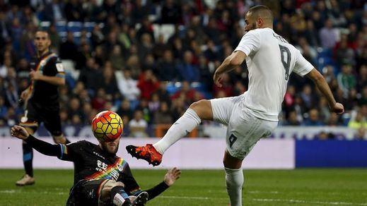 Partido loco y de récord en el Bernabéu: el Madrid parte al Rayo (10-2)