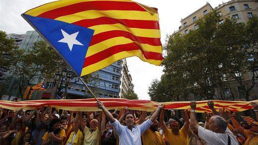 En Cataluña, la lista de la izquierda 'EnComúPodem' gana las elecciones y el partido de Mas se hunde