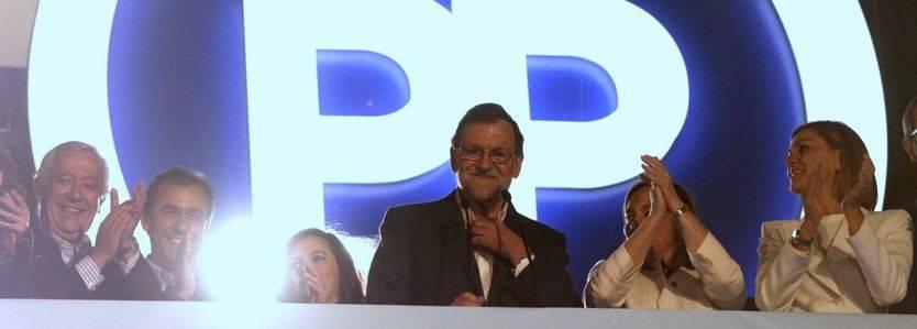 Mariano Rajoy en el balcón de Génova