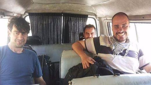 Los periodistas recuerdan a los tres colegas que siguen secuestrados en Siria