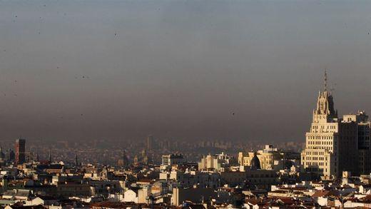 La contaminación le agua las fiestas a Madrid: activado el 'Escenario 1' con limitación de velocidad