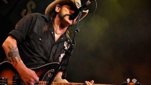 Homenaje a Lemmy Kilmister en 10 grandes canciones