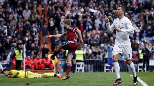 Benítez coge aire gracias a un doblete de Cristiano Ronaldo ante la Real Sociedad (3-1)