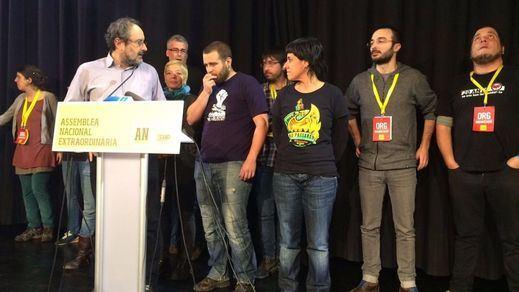 68 miembros de la CUP y 81 de Podemos deciden hoy si se repiten las elecciones en Cataluña y España
