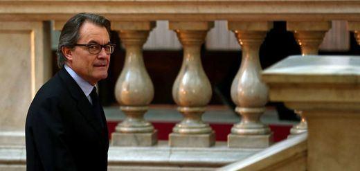 Cataluña irá a nuevas elecciones si Mas no se retira antes del 10 de enero