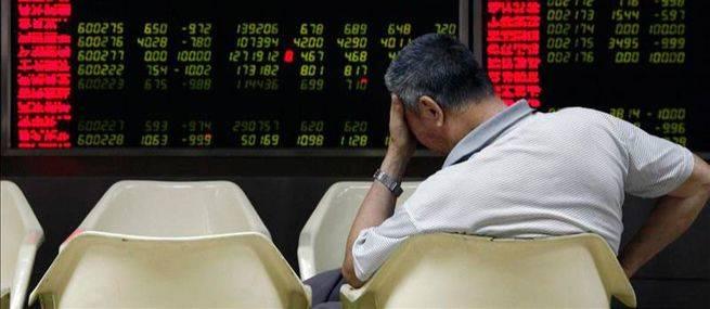La Bolsa se hunde nada más comenzar 2016 ante la incertidumbre política y también por las dudas de la economía china