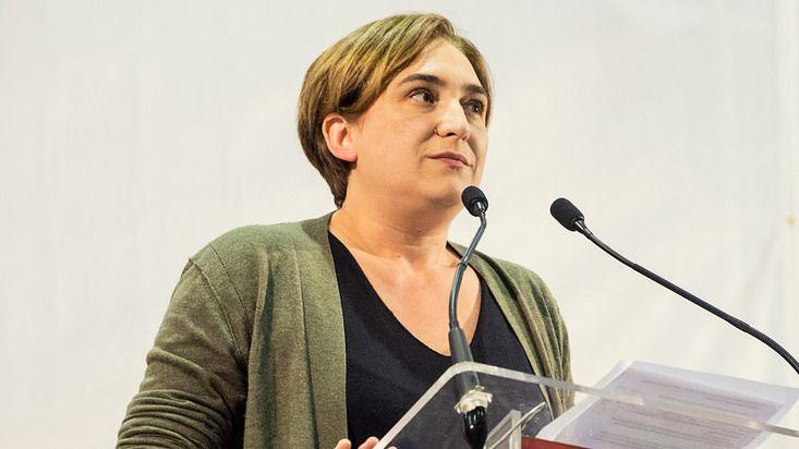 Colau se aferra a la alcaldía y deja en el aire su implicación en unas elecciones catalanas