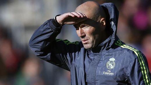 Zidane lo ve claro: apostará desde el banquillo de 'su' Real Madrid por