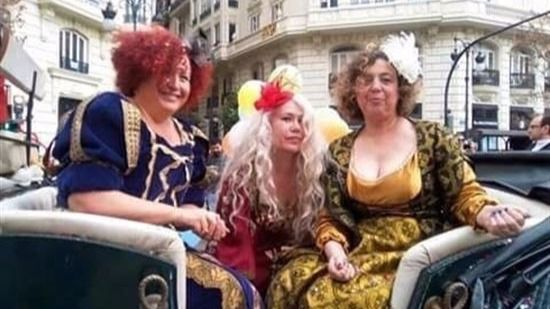 parecen las prostitutas de un western pero son las reinas magas de valencia prostitutas en tres cant
