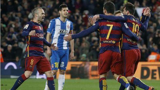 El Barça sufre pero acaba estoqueando 4-1 a un Espanyol muy guerrero que acabó con 9