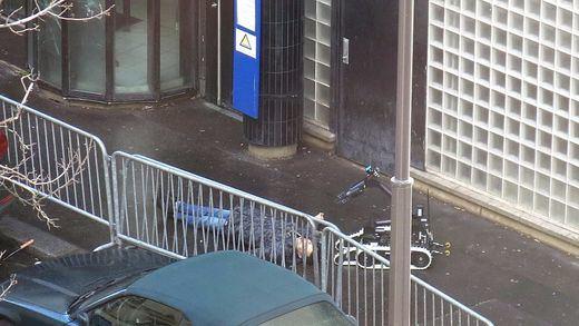 Vuelve la histeria a Francia: abatido un hombre en París con un chaleco de explosivos falso