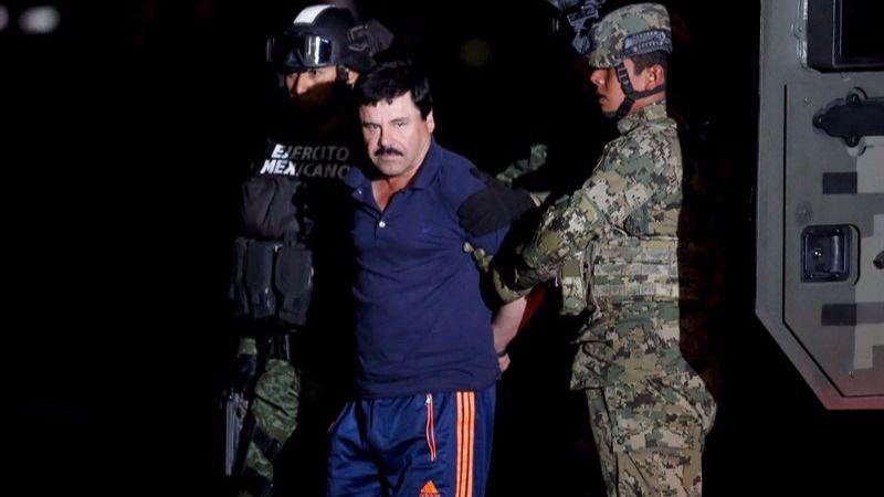 El Chapo Guzman, tras ser detenido por la policía mexicana.