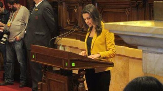 Inés Arrimadas ejerce de jefa de la oposición: