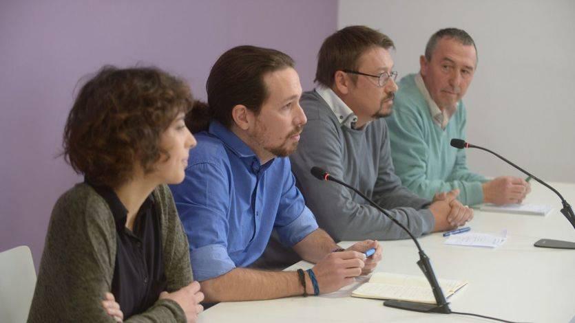 Alexandra Fernández (En Marea), Pablo Iglesias (Podemos), Xavier Doménech (En Comú) y Joan Baldoví (Compromís) en la rueda de prensa
