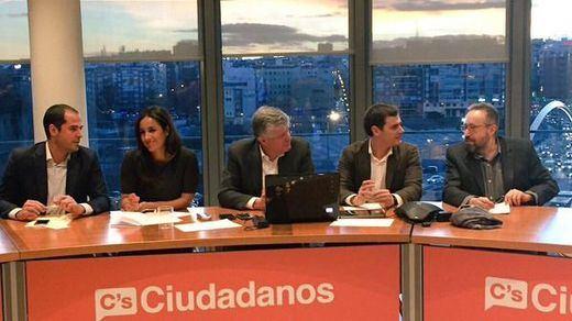 Ciudadanos reivindica su rol mediador en el primer gran acuerdo de legislatura con PP y PSOE