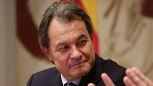 Artur Mas responde con ironía al Gobierno y a la Casa Real 'agradeciendo' los servicios prestados