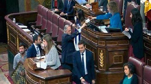 Gómez de la Serna deja el PP, pero se aferra a su escaño en el Congreso