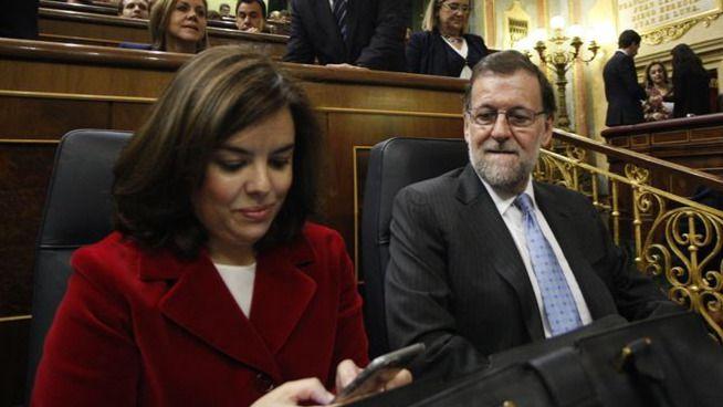 Soraya Sáenz de Santamaría y Mariano Rajoy, en la sesión de apertura del Congreso este miércoles.