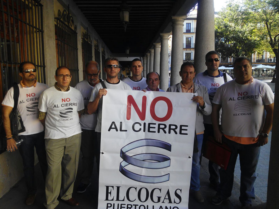 El Comité de Empresa de Elcogas 'acampa' a las puertas de la Delegación del Gobierno central en Toledo