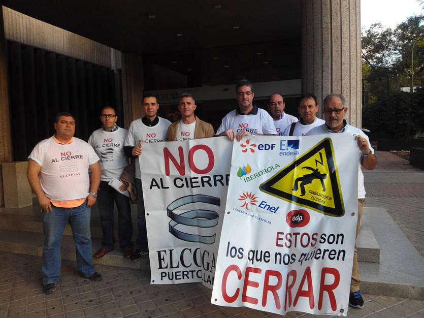 Miembros del Comité de Empresa en la sede madrileña de Elcogas